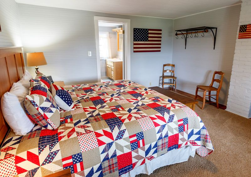 GH Stars & Stripes bedroom downstairs- north